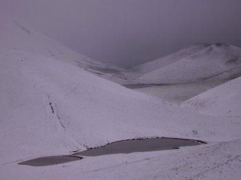 Lago di Fossetta e Lago di Barisciano (9261 bytes)