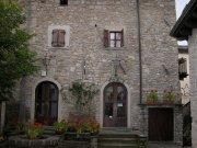 Camminata sulle colline dell appennino modenese da casona for Case antiche ristrutturate